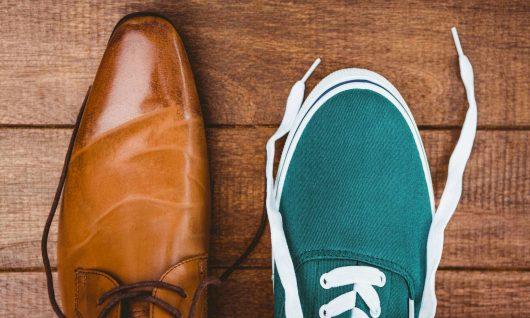 Bild zum Blogbeitrag, das zwei verschiedene Schuhe zeigt